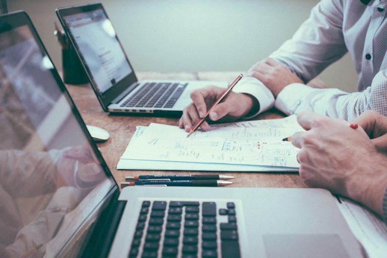 office, business, men-1209640.jpg